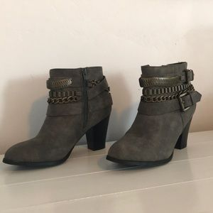 Super cute dark grey ankle boots
